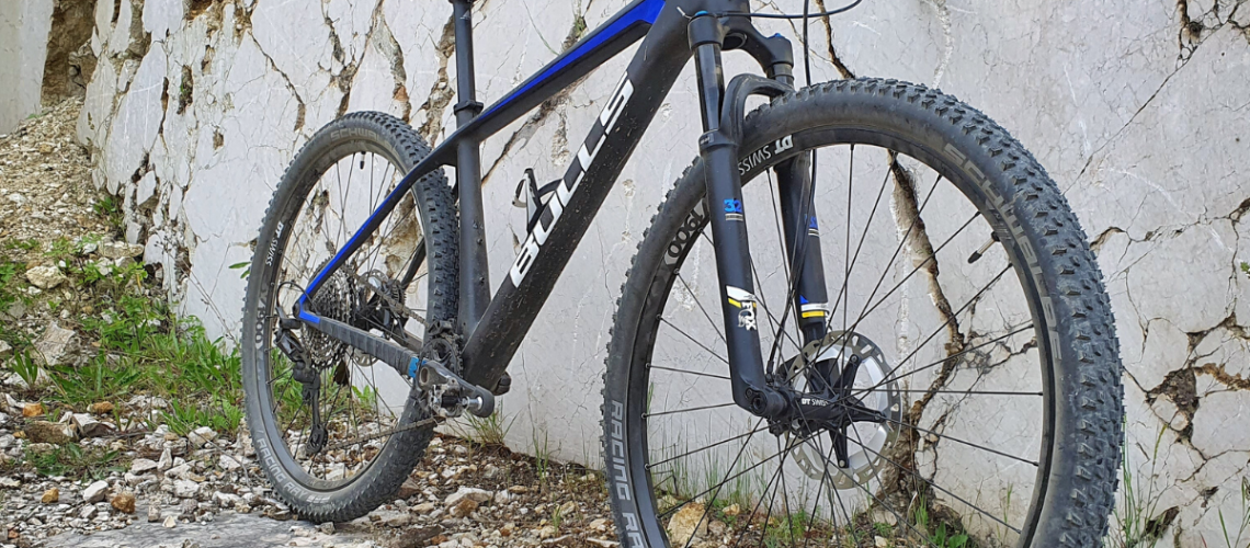 Mountainbike met klikpedalen